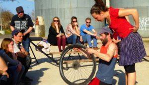 Kolelo, un spectacle qui nous fait voyager à bicyclette